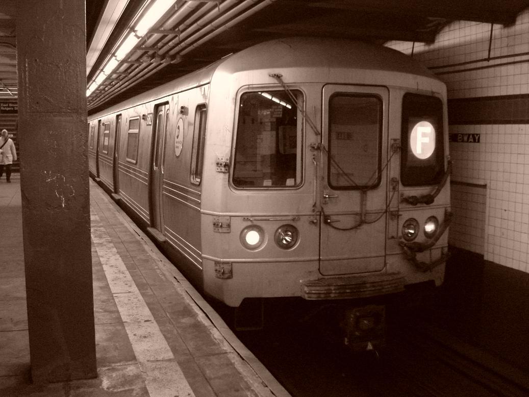 (120k, 1037x778)<br><b>Country:</b> United States<br><b>City:</b> New York<br><b>System:</b> New York City Transit<br><b>Line:</b> IND 6th Avenue Line<br><b>Location:</b> East Broadway <br><b>Route:</b> F<br><b>Car:</b> R-46 (Pullman-Standard, 1974-75) 6162 <br><b>Photo by:</b> Michael Hodurski<br><b>Date:</b> 12/28/2006<br><b>Viewed (this week/total):</b> 3 / 2962