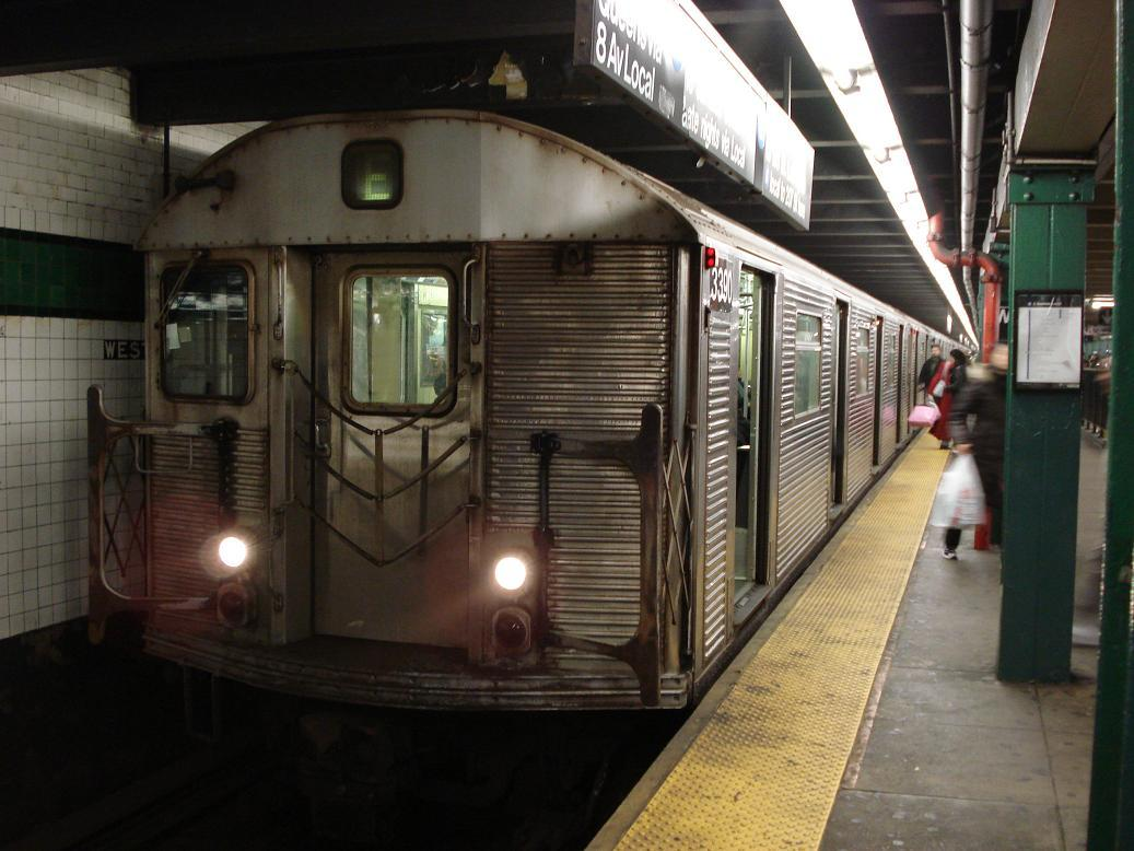 (123k, 1037x778)<br><b>Country:</b> United States<br><b>City:</b> New York<br><b>System:</b> New York City Transit<br><b>Line:</b> IND 8th Avenue Line<br><b>Location:</b> West 4th Street/Washington Square <br><b>Route:</b> E<br><b>Car:</b> R-32 (Budd, 1964)  3390 <br><b>Photo by:</b> Michael Hodurski<br><b>Date:</b> 12/28/2006<br><b>Viewed (this week/total):</b> 1 / 3002