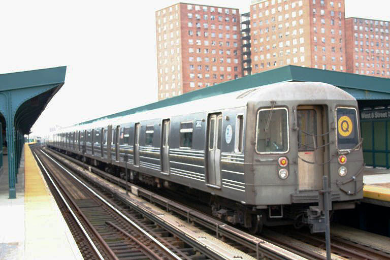 (86k, 768x512)<br><b>Country:</b> United States<br><b>City:</b> New York<br><b>System:</b> New York City Transit<br><b>Line:</b> BMT Brighton Line<br><b>Location:</b> West 8th Street <br><b>Route:</b> Q<br><b>Car:</b> R-68 (Westinghouse-Amrail, 1986-1988)  2802 <br><b>Photo by:</b> Neil Feldman<br><b>Date:</b> 12/28/2006<br><b>Viewed (this week/total):</b> 0 / 1995