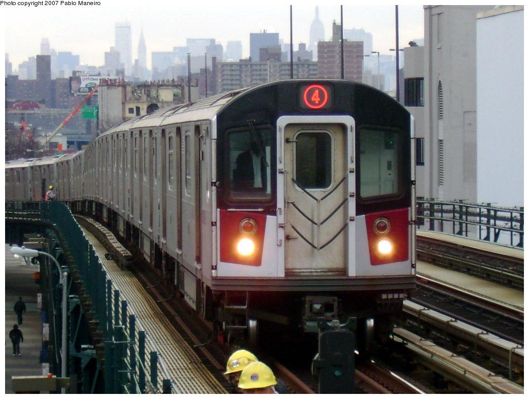 (199k, 1044x788)<br><b>Country:</b> United States<br><b>City:</b> New York<br><b>System:</b> New York City Transit<br><b>Line:</b> IRT Woodlawn Line<br><b>Location:</b> 161st Street/River Avenue (Yankee Stadium) <br><b>Route:</b> 4<br><b>Car:</b> R-142 or R-142A (Number Unknown)  <br><b>Photo by:</b> Pablo Maneiro<br><b>Date:</b> 12/30/2006<br><b>Viewed (this week/total):</b> 3 / 3428