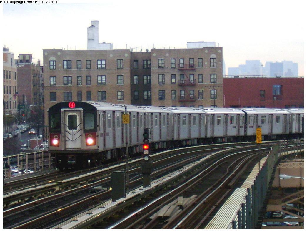 (207k, 1044x788)<br><b>Country:</b> United States<br><b>City:</b> New York<br><b>System:</b> New York City Transit<br><b>Line:</b> IRT Woodlawn Line<br><b>Location:</b> 170th Street <br><b>Route:</b> 4<br><b>Car:</b> R-142 or R-142A (Number Unknown)  <br><b>Photo by:</b> Pablo Maneiro<br><b>Date:</b> 12/30/2006<br><b>Viewed (this week/total):</b> 0 / 2901