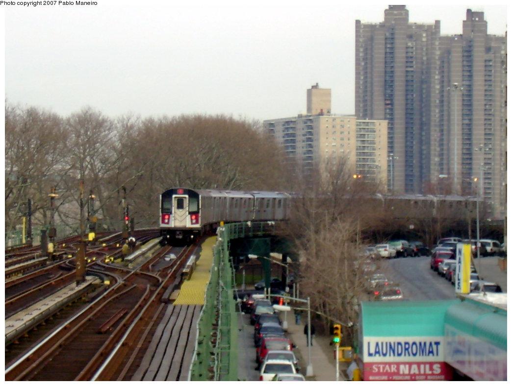 (189k, 1044x788)<br><b>Country:</b> United States<br><b>City:</b> New York<br><b>System:</b> New York City Transit<br><b>Line:</b> IRT Woodlawn Line<br><b>Location:</b> Kingsbridge Road <br><b>Route:</b> 4<br><b>Car:</b> R-142 or R-142A (Number Unknown)  <br><b>Photo by:</b> Pablo Maneiro<br><b>Date:</b> 12/30/2006<br><b>Viewed (this week/total):</b> 0 / 4665