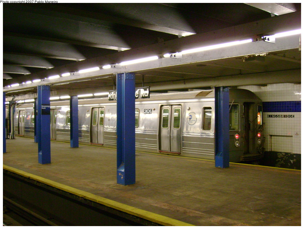(183k, 1044x788)<br><b>Country:</b> United States<br><b>City:</b> New York<br><b>System:</b> New York City Transit<br><b>Line:</b> IND Concourse Line<br><b>Location:</b> Kingsbridge Road <br><b>Route:</b> D<br><b>Car:</b> R-68 (Westinghouse-Amrail, 1986-1988)  2626 <br><b>Photo by:</b> Pablo Maneiro<br><b>Date:</b> 12/30/2006<br><b>Viewed (this week/total):</b> 1 / 4969