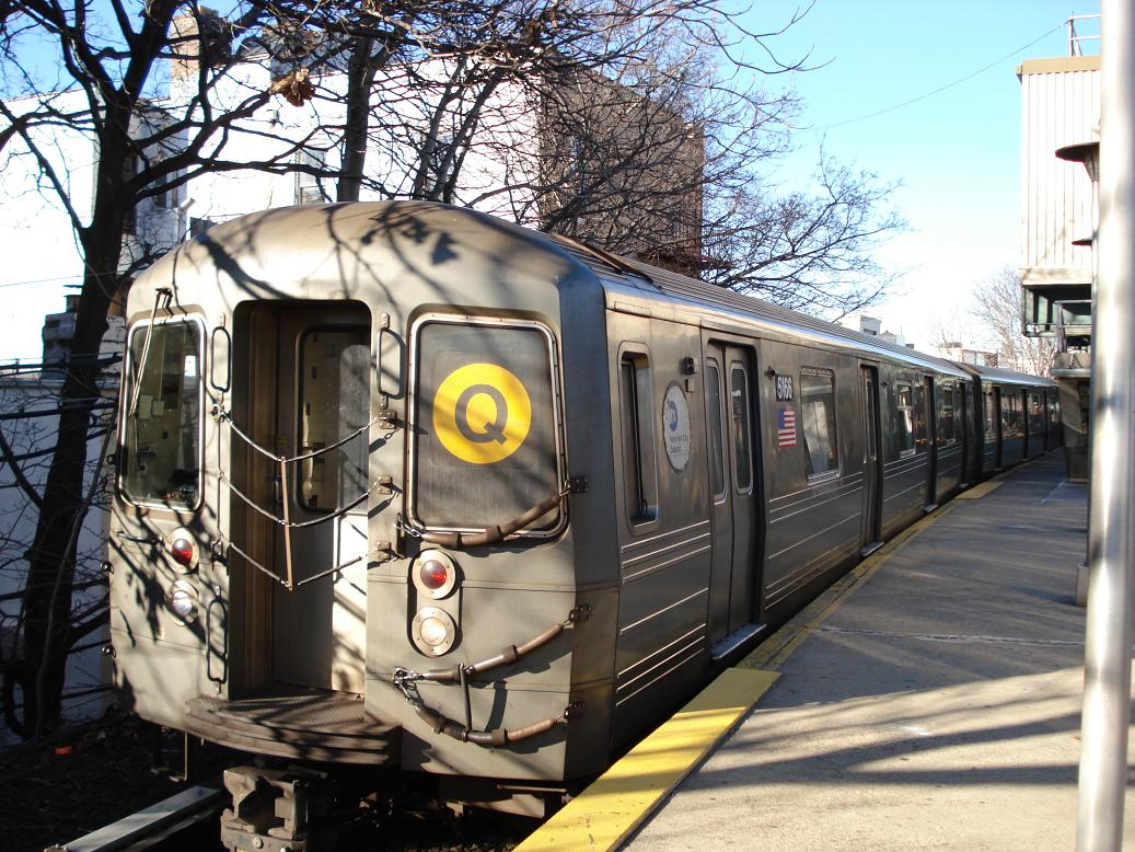 (190k, 1037x778)<br><b>Country:</b> United States<br><b>City:</b> New York<br><b>System:</b> New York City Transit<br><b>Line:</b> BMT Brighton Line<br><b>Location:</b> Kings Highway <br><b>Route:</b> Q<br><b>Car:</b> R-68A (Kawasaki, 1988-1989)  5166 <br><b>Photo by:</b> Michael Hodurski<br><b>Date:</b> 1/2/2007<br><b>Viewed (this week/total):</b> 0 / 1893