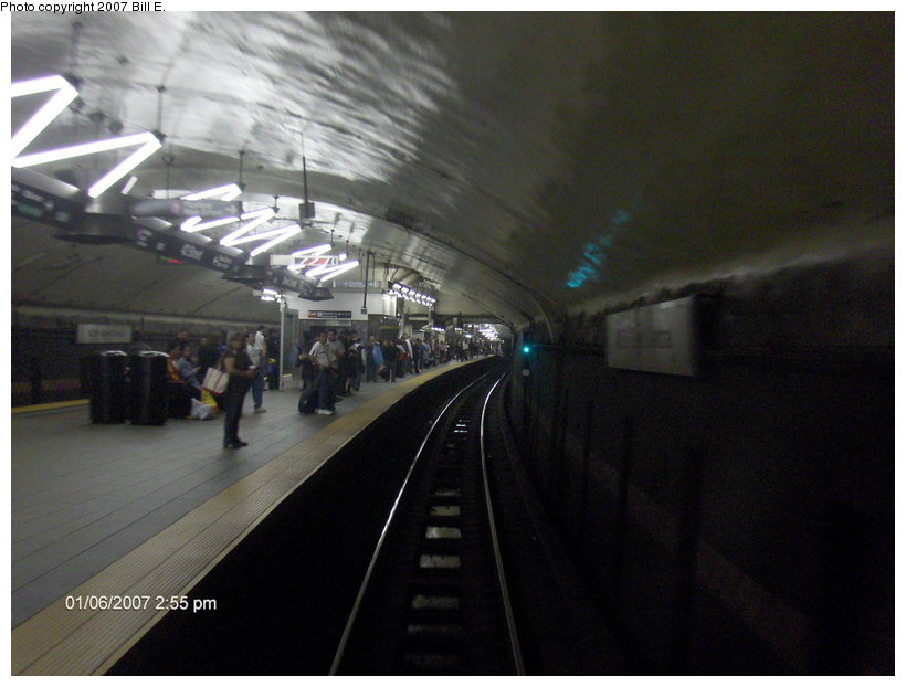 (88k, 820x622)<br><b>Country:</b> United States<br><b>City:</b> New York<br><b>System:</b> New York City Transit<br><b>Line:</b> IRT Flushing Line<br><b>Location:</b> Grand Central <br><b>Photo by:</b> Bill E.<br><b>Date:</b> 1/6/2007<br><b>Notes:</b> Railfan window view of Grand Central (7).<br><b>Viewed (this week/total):</b> 2 / 2121