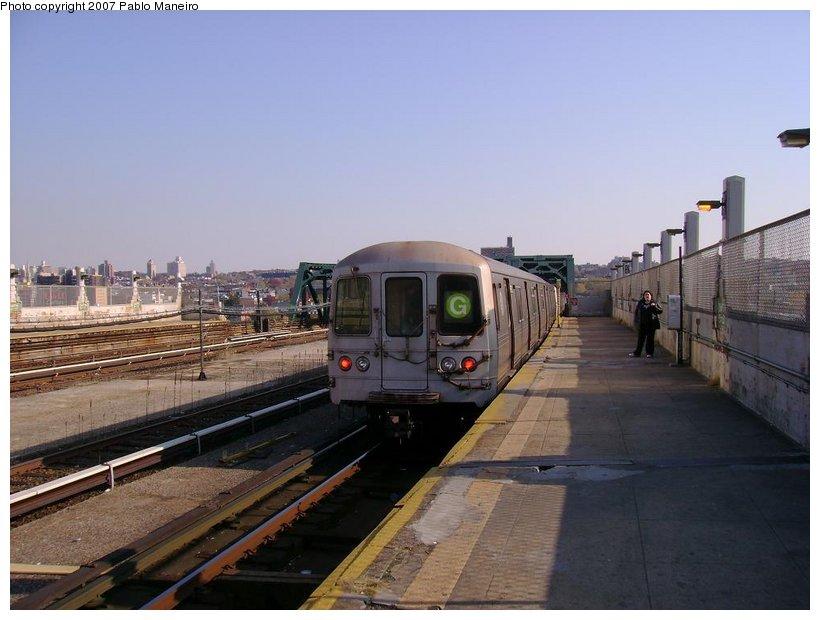 (112k, 820x620)<br><b>Country:</b> United States<br><b>City:</b> New York<br><b>System:</b> New York City Transit<br><b>Line:</b> IND Crosstown Line<br><b>Location:</b> Smith/9th Street <br><b>Route:</b> G<br><b>Car:</b> R-46 (Pullman-Standard, 1974-75)  <br><b>Photo by:</b> Pablo Maneiro<br><b>Date:</b> 11/5/2006<br><b>Viewed (this week/total):</b> 0 / 1886