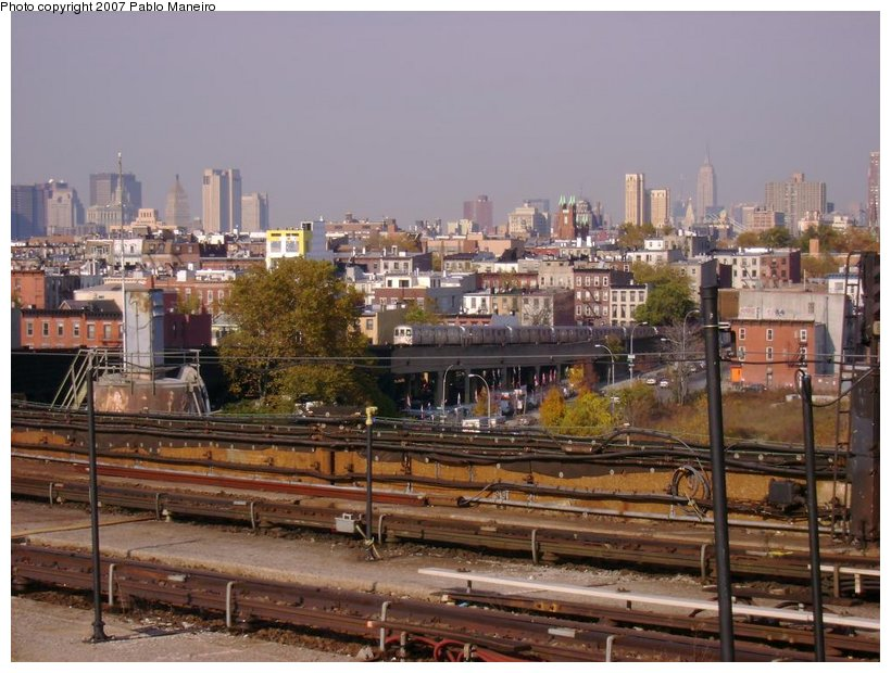 (138k, 820x620)<br><b>Country:</b> United States<br><b>City:</b> New York<br><b>System:</b> New York City Transit<br><b>Line:</b> IND Crosstown Line<br><b>Location:</b> Smith/9th Street <br><b>Photo by:</b> Pablo Maneiro<br><b>Date:</b> 11/5/2006<br><b>Viewed (this week/total):</b> 0 / 1941