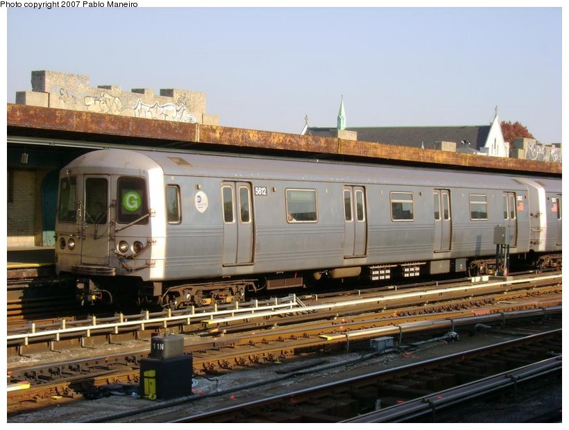 (126k, 820x620)<br><b>Country:</b> United States<br><b>City:</b> New York<br><b>System:</b> New York City Transit<br><b>Line:</b> IND Crosstown Line<br><b>Location:</b> 4th Avenue <br><b>Route:</b> G<br><b>Car:</b> R-46 (Pullman-Standard, 1974-75) 5612 <br><b>Photo by:</b> Pablo Maneiro<br><b>Date:</b> 11/5/2006<br><b>Viewed (this week/total):</b> 1 / 2041