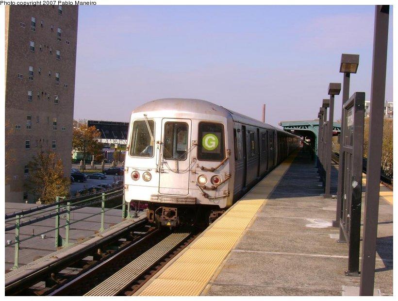 (125k, 820x620)<br><b>Country:</b> United States<br><b>City:</b> New York<br><b>System:</b> New York City Transit<br><b>Line:</b> BMT Culver Line<br><b>Location:</b> Neptune Avenue <br><b>Route:</b> G<br><b>Car:</b> R-46 (Pullman-Standard, 1974-75) 5898 <br><b>Photo by:</b> Pablo Maneiro<br><b>Date:</b> 11/5/2006<br><b>Viewed (this week/total):</b> 0 / 1673