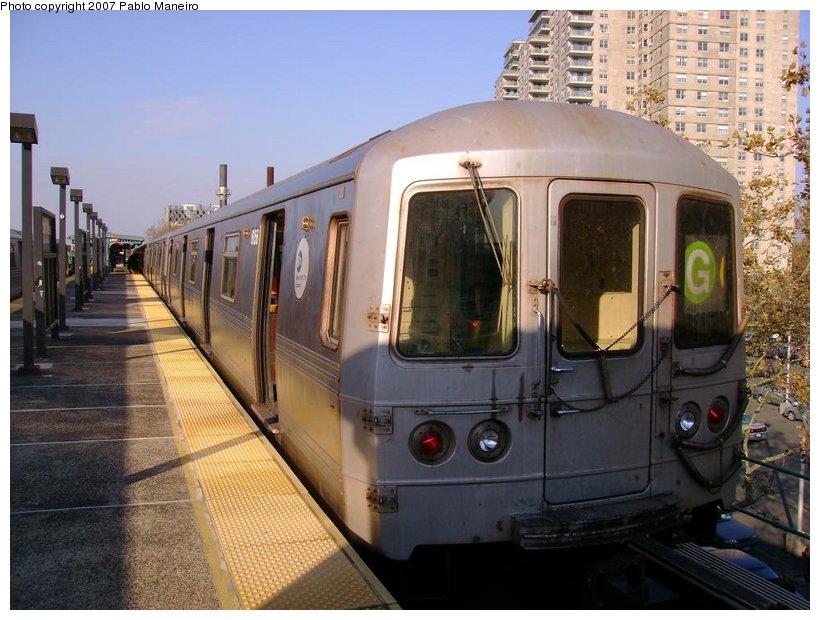 (134k, 820x620)<br><b>Country:</b> United States<br><b>City:</b> New York<br><b>System:</b> New York City Transit<br><b>Line:</b> BMT Culver Line<br><b>Location:</b> Neptune Avenue <br><b>Route:</b> G<br><b>Car:</b> R-46 (Pullman-Standard, 1974-75) 6156 <br><b>Photo by:</b> Pablo Maneiro<br><b>Date:</b> 11/5/2006<br><b>Viewed (this week/total):</b> 2 / 1711
