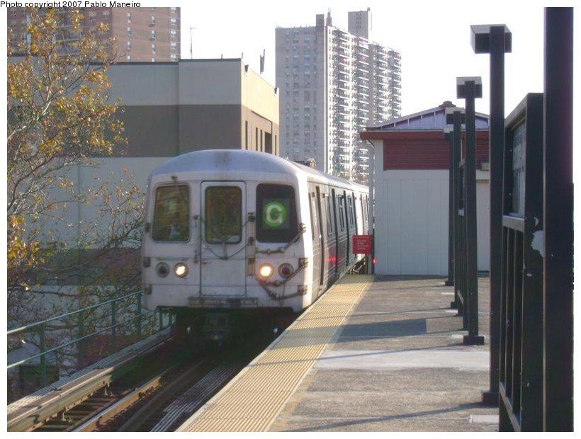 (122k, 820x620)<br><b>Country:</b> United States<br><b>City:</b> New York<br><b>System:</b> New York City Transit<br><b>Line:</b> BMT Culver Line<br><b>Location:</b> Neptune Avenue <br><b>Route:</b> G<br><b>Car:</b> R-46 (Pullman-Standard, 1974-75)  <br><b>Photo by:</b> Pablo Maneiro<br><b>Date:</b> 11/5/2006<br><b>Viewed (this week/total):</b> 0 / 1869