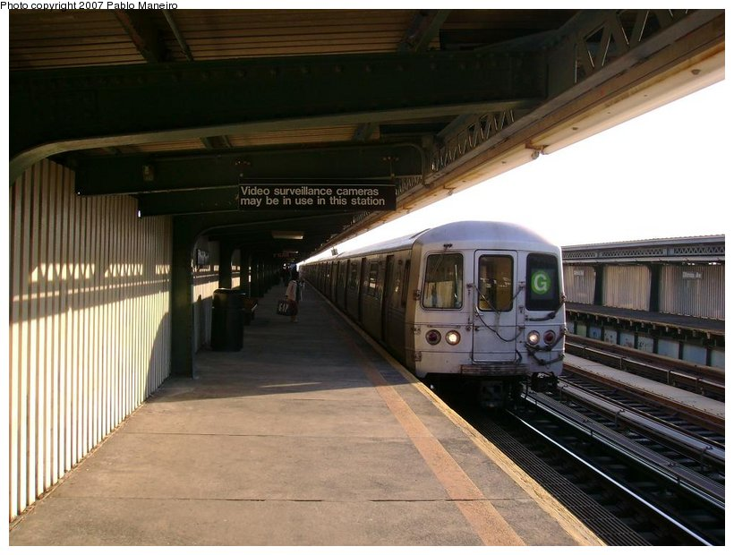 (122k, 820x620)<br><b>Country:</b> United States<br><b>City:</b> New York<br><b>System:</b> New York City Transit<br><b>Line:</b> BMT Culver Line<br><b>Location:</b> Ditmas Avenue <br><b>Route:</b> G<br><b>Car:</b> R-46 (Pullman-Standard, 1974-75)  <br><b>Photo by:</b> Pablo Maneiro<br><b>Date:</b> 11/5/2006<br><b>Viewed (this week/total):</b> 0 / 1793