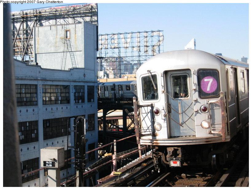 (125k, 820x620)<br><b>Country:</b> United States<br><b>City:</b> New York<br><b>System:</b> New York City Transit<br><b>Line:</b> IRT Flushing Line<br><b>Location:</b> Queensborough Plaza <br><b>Route:</b> 7<br><b>Car:</b> R-62A (Bombardier, 1984-1987)  2072 <br><b>Photo by:</b> Gary Chatterton<br><b>Date:</b> 12/9/2006<br><b>Viewed (this week/total):</b> 0 / 1806