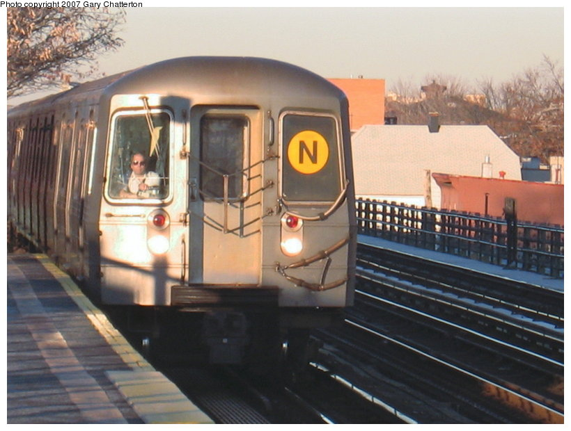 (106k, 820x620)<br><b>Country:</b> United States<br><b>City:</b> New York<br><b>System:</b> New York City Transit<br><b>Line:</b> BMT Astoria Line<br><b>Location:</b> 36th/Washington Aves. <br><b>Route:</b> N<br><b>Car:</b> R-68A (Kawasaki, 1988-1989)  5078 <br><b>Photo by:</b> Gary Chatterton<br><b>Date:</b> 11/21/2006<br><b>Viewed (this week/total):</b> 0 / 2428
