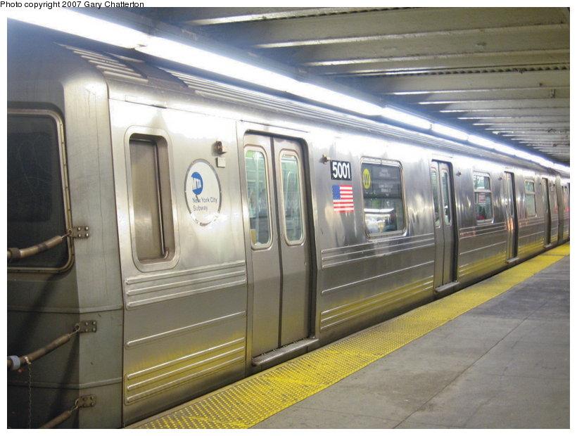 (108k, 820x620)<br><b>Country:</b> United States<br><b>City:</b> New York<br><b>System:</b> New York City Transit<br><b>Line:</b> BMT Astoria Line<br><b>Location:</b> Queensborough Plaza <br><b>Route:</b> W<br><b>Car:</b> R-68A (Kawasaki, 1988-1989)  5001 <br><b>Photo by:</b> Gary Chatterton<br><b>Date:</b> 1/12/2007<br><b>Viewed (this week/total):</b> 0 / 3623