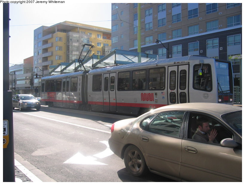 (112k, 820x620)<br><b>Country:</b> United States<br><b>City:</b> San Francisco/Bay Area, CA<br><b>System:</b> SF MUNI<br><b>Line:</b> MUNI 3rd Street Light Rail<br><b>Car:</b> SF MUNI Breda LRV 1407 <br><b>Photo by:</b> Jeremy Whiteman<br><b>Date:</b> 1/13/2007<br><b>Notes:</b> First day of passenger service on the T-Third.<br><b>Viewed (this week/total):</b> 0 / 1066