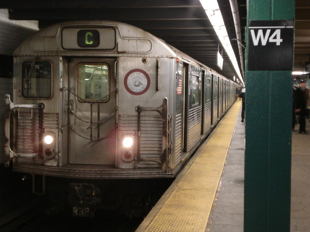 (107k, 1037x778)<br><b>Country:</b> United States<br><b>City:</b> New York<br><b>System:</b> New York City Transit<br><b>Line:</b> IND 8th Avenue Line<br><b>Location:</b> West 4th Street/Washington Square <br><b>Route:</b> C<br><b>Car:</b> R-38 (St. Louis, 1966-1967)  4002 <br><b>Photo by:</b> Michael Hodurski<br><b>Date:</b> 1/12/2007<br><b>Viewed (this week/total):</b> 3 / 2507