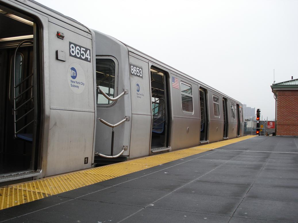 (103k, 1037x778)<br><b>Country:</b> United States<br><b>City:</b> New York<br><b>System:</b> New York City Transit<br><b>Location:</b> Coney Island/Stillwell Avenue<br><b>Route:</b> N<br><b>Car:</b> R-160A-2 (Alstom, 2005-2008, 5 car sets)  8653 <br><b>Photo by:</b> Michael Hodurski<br><b>Date:</b> 1/15/2007<br><b>Viewed (this week/total):</b> 0 / 2922