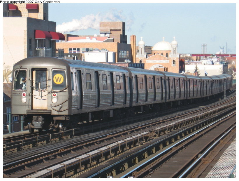(128k, 820x620)<br><b>Country:</b> United States<br><b>City:</b> New York<br><b>System:</b> New York City Transit<br><b>Line:</b> BMT Astoria Line<br><b>Location:</b> Broadway <br><b>Route:</b> W<br><b>Car:</b> R-68 (Westinghouse-Amrail, 1986-1988)  2794 <br><b>Photo by:</b> Gary Chatterton<br><b>Date:</b> 1/17/2007<br><b>Viewed (this week/total):</b> 2 / 2399