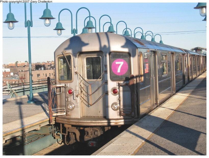 (128k, 820x620)<br><b>Country:</b> United States<br><b>City:</b> New York<br><b>System:</b> New York City Transit<br><b>Line:</b> IRT Flushing Line<br><b>Location:</b> 61st Street/Woodside <br><b>Route:</b> 7<br><b>Car:</b> R-62A (Bombardier, 1984-1987)  2137 <br><b>Photo by:</b> Gary Chatterton<br><b>Date:</b> 1/17/2007<br><b>Viewed (this week/total):</b> 0 / 2538