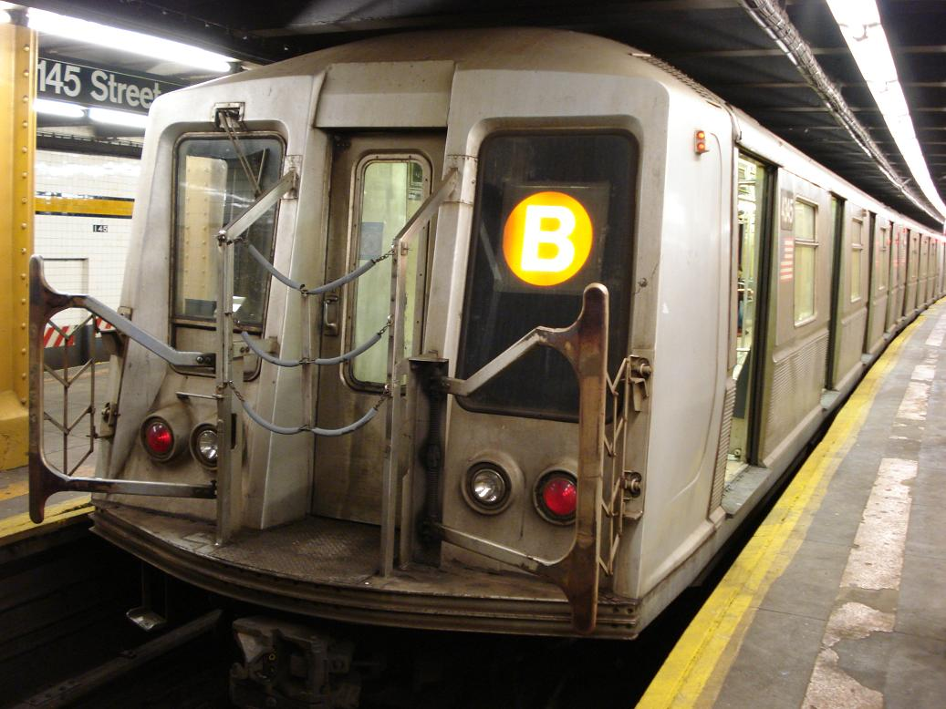 (128k, 1037x778)<br><b>Country:</b> United States<br><b>City:</b> New York<br><b>System:</b> New York City Transit<br><b>Line:</b> IND 8th Avenue Line<br><b>Location:</b> 145th Street <br><b>Route:</b> B<br><b>Car:</b> R-40 (St. Louis, 1968)  4345 <br><b>Photo by:</b> Michael Hodurski<br><b>Date:</b> 1/19/2007<br><b>Viewed (this week/total):</b> 0 / 2893
