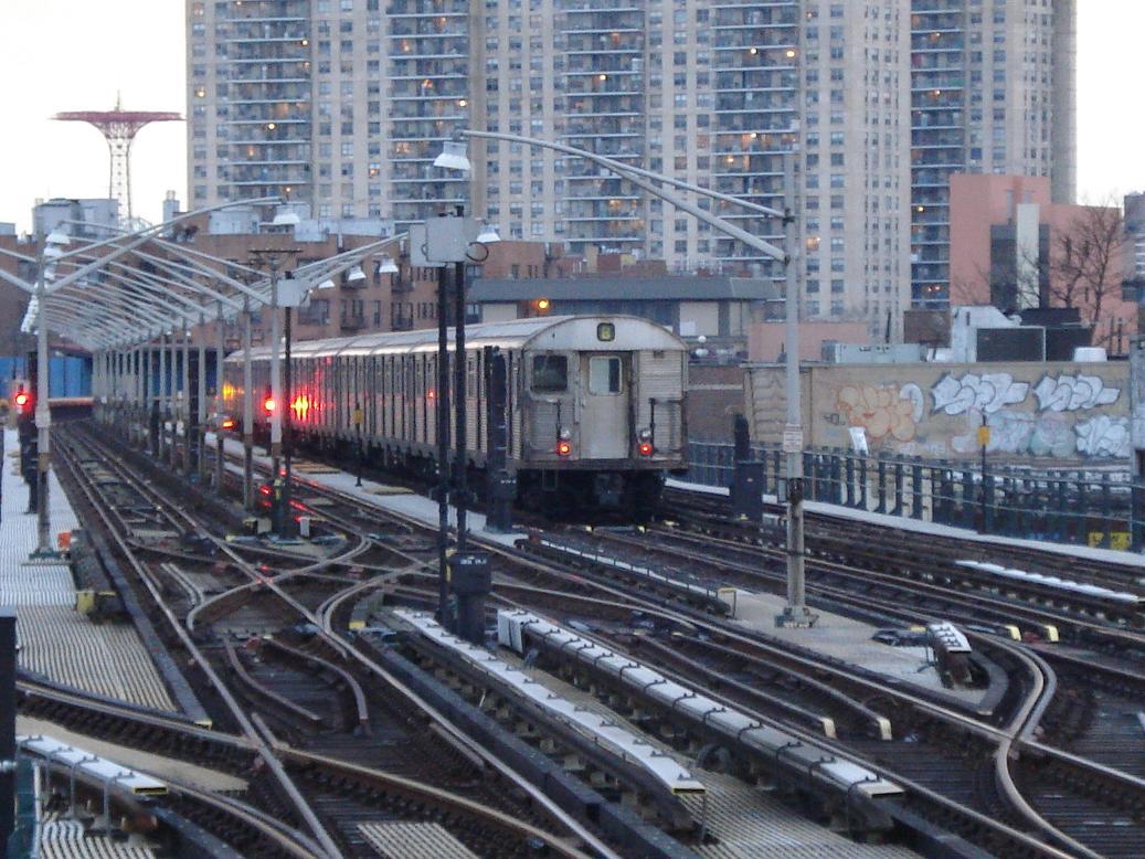 (167k, 1037x778)<br><b>Country:</b> United States<br><b>City:</b> New York<br><b>System:</b> New York City Transit<br><b>Line:</b> BMT Brighton Line<br><b>Location:</b> Ocean Parkway <br><b>Route:</b> B<br><b>Car:</b> R-32 (Budd, 1964)  3859 <br><b>Photo by:</b> Michael Hodurski<br><b>Date:</b> 1/19/2007<br><b>Viewed (this week/total):</b> 0 / 3868