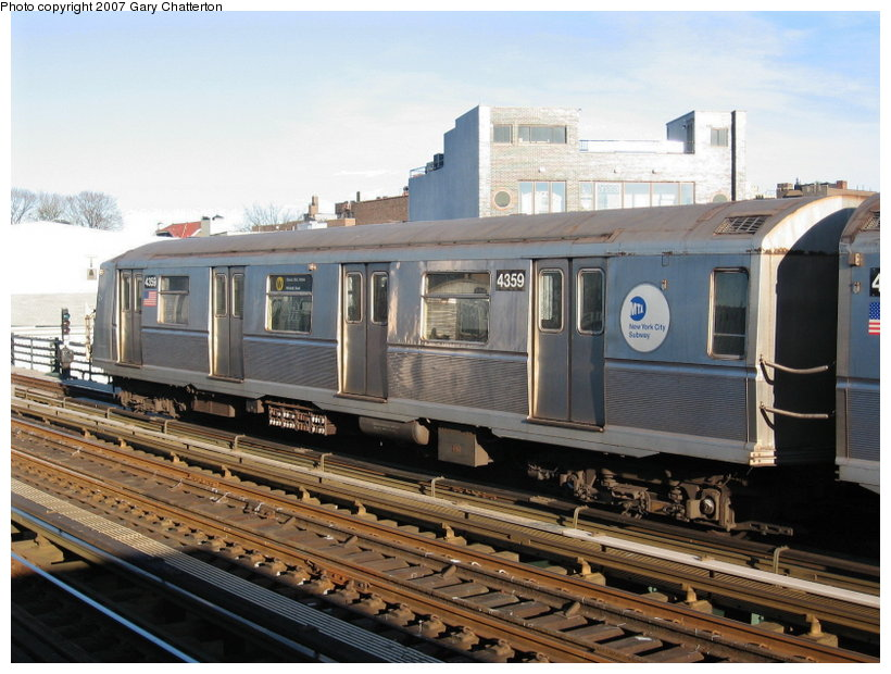 (120k, 820x620)<br><b>Country:</b> United States<br><b>City:</b> New York<br><b>System:</b> New York City Transit<br><b>Line:</b> BMT Astoria Line<br><b>Location:</b> 30th/Grand Aves. <br><b>Route:</b> W<br><b>Car:</b> R-40 (St. Louis, 1968)  4359 <br><b>Photo by:</b> Gary Chatterton<br><b>Date:</b> 11/21/2006<br><b>Viewed (this week/total):</b> 0 / 1912