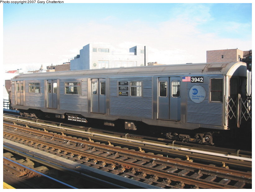 (112k, 820x620)<br><b>Country:</b> United States<br><b>City:</b> New York<br><b>System:</b> New York City Transit<br><b>Line:</b> BMT Astoria Line<br><b>Location:</b> 30th/Grand Aves. <br><b>Route:</b> W<br><b>Car:</b> R-32 (Budd, 1964)  3942 <br><b>Photo by:</b> Gary Chatterton<br><b>Date:</b> 11/21/2006<br><b>Viewed (this week/total):</b> 4 / 2526