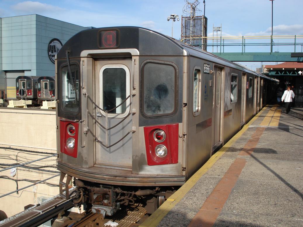 (154k, 1037x778)<br><b>Country:</b> United States<br><b>City:</b> New York<br><b>System:</b> New York City Transit<br><b>Line:</b> IRT White Plains Road Line<br><b>Location:</b> East 180th Street <br><b>Route:</b> 2<br><b>Car:</b> R-142 (Primary Order, Bombardier, 1999-2002)  6566 <br><b>Photo by:</b> Michael Hodurski<br><b>Date:</b> 1/23/2007<br><b>Viewed (this week/total):</b> 0 / 4620