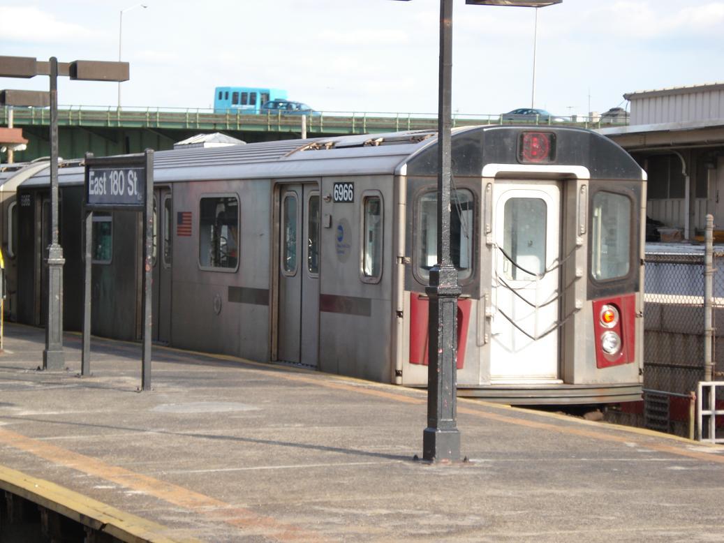 (117k, 1037x778)<br><b>Country:</b> United States<br><b>City:</b> New York<br><b>System:</b> New York City Transit<br><b>Line:</b> IRT White Plains Road Line<br><b>Location:</b> East 180th Street <br><b>Route:</b> 5<br><b>Car:</b> R-142 (Primary Order, Bombardier, 1999-2002)  6966 <br><b>Photo by:</b> Michael Hodurski<br><b>Date:</b> 1/23/2007<br><b>Viewed (this week/total):</b> 0 / 5520