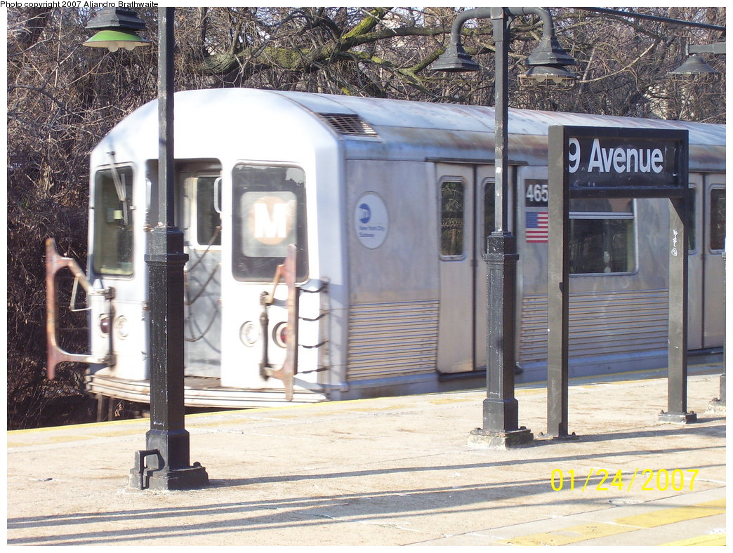 (239k, 1044x788)<br><b>Country:</b> United States<br><b>City:</b> New York<br><b>System:</b> New York City Transit<br><b>Line:</b> BMT West End Line<br><b>Location:</b> 9th Avenue <br><b>Route:</b> M<br><b>Car:</b> R-42 (St. Louis, 1969-1970)  4653 <br><b>Photo by:</b> Aliandro Brathwaite<br><b>Date:</b> 1/24/2007<br><b>Viewed (this week/total):</b> 0 / 2455