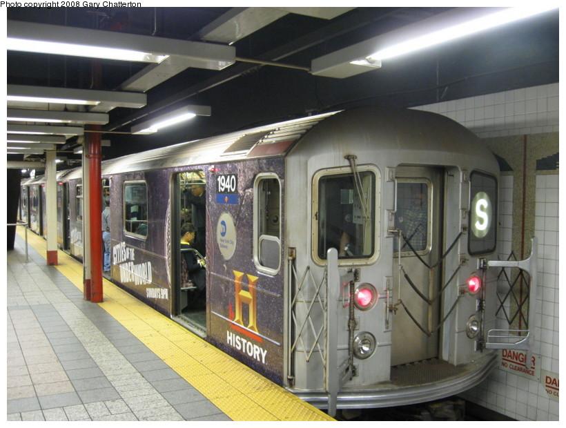 (142k, 820x620)<br><b>Country:</b> United States<br><b>City:</b> New York<br><b>System:</b> New York City Transit<br><b>Line:</b> IRT Times Square-Grand Central Shuttle<br><b>Location:</b> Grand Central <br><b>Route:</b> S<br><b>Car:</b> R-62A (Bombardier, 1984-1987)  1940 <br><b>Photo by:</b> Gary Chatterton<br><b>Date:</b> 10/2/2008<br><b>Viewed (this week/total):</b> 1 / 1591