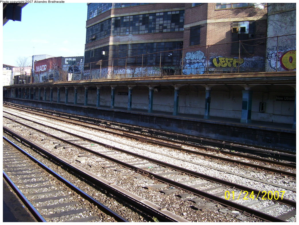 (297k, 1044x788)<br><b>Country:</b> United States<br><b>City:</b> New York<br><b>System:</b> New York City Transit<br><b>Line:</b> BMT Sea Beach Line<br><b>Location:</b> New Utrecht Avenue <br><b>Photo by:</b> Aliandro Brathwaite<br><b>Date:</b> 1/24/2007<br><b>Viewed (this week/total):</b> 0 / 1504