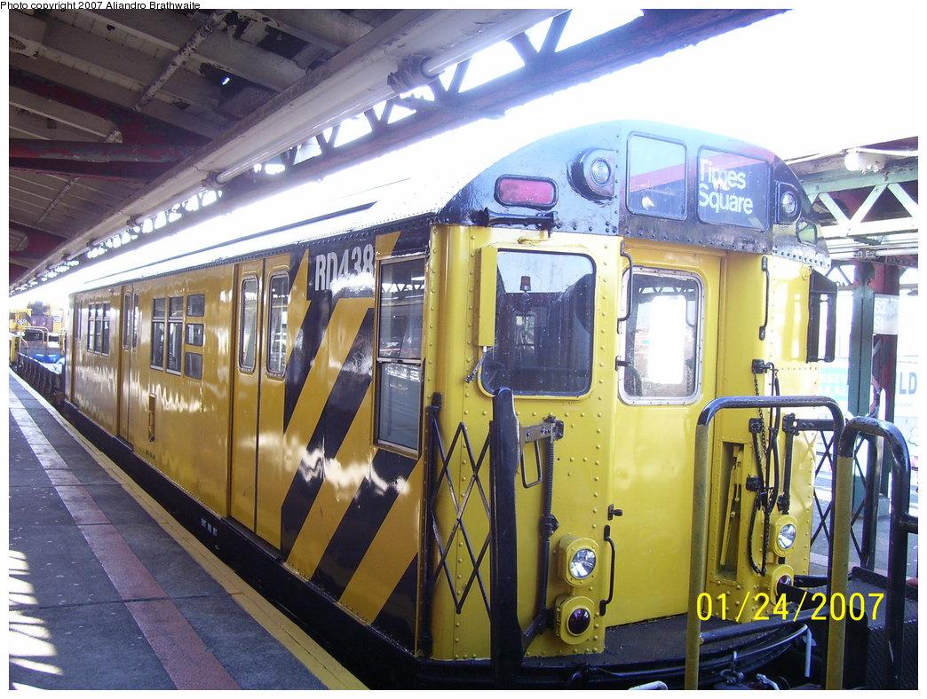 (212k, 1044x788)<br><b>Country:</b> United States<br><b>City:</b> New York<br><b>System:</b> New York City Transit<br><b>Line:</b> BMT West End Line<br><b>Location:</b> 62nd Street <br><b>Route:</b> Work Service<br><b>Car:</b> R-161 Rider Car (ex-R-33)  RD438 (ex-8936)<br><b>Photo by:</b> Aliandro Brathwaite<br><b>Date:</b> 1/24/2007<br><b>Viewed (this week/total):</b> 0 / 1830