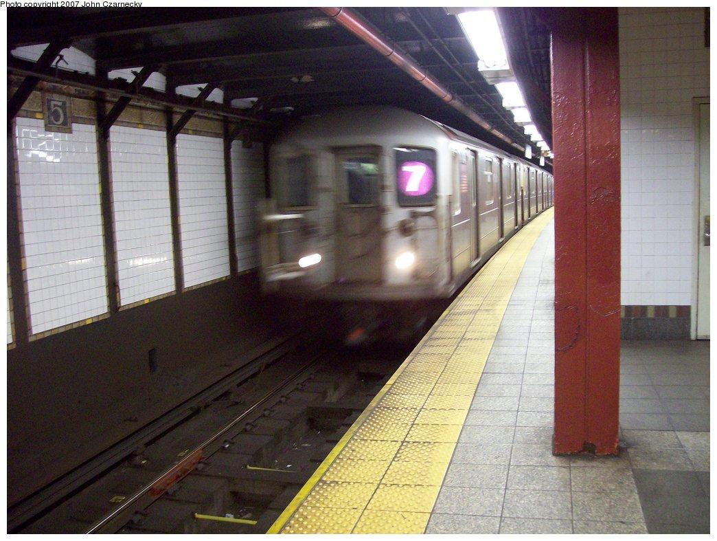 (172k, 1044x787)<br><b>Country:</b> United States<br><b>City:</b> New York<br><b>System:</b> New York City Transit<br><b>Line:</b> IRT Flushing Line<br><b>Location:</b> 5th Avenue <br><b>Route:</b> 7<br><b>Car:</b> R-62A (Bombardier, 1984-1987)   <br><b>Photo by:</b> John Czarnecky<br><b>Date:</b> 1/26/2007<br><b>Viewed (this week/total):</b> 1 / 2834