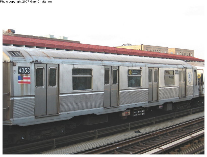 (88k, 820x620)<br><b>Country:</b> United States<br><b>City:</b> New York<br><b>System:</b> New York City Transit<br><b>Line:</b> BMT Astoria Line<br><b>Location:</b> 30th/Grand Aves. <br><b>Route:</b> W<br><b>Car:</b> R-40 (St. Louis, 1968)  4353 <br><b>Photo by:</b> Gary Chatterton<br><b>Date:</b> 1/30/2007<br><b>Viewed (this week/total):</b> 1 / 2116