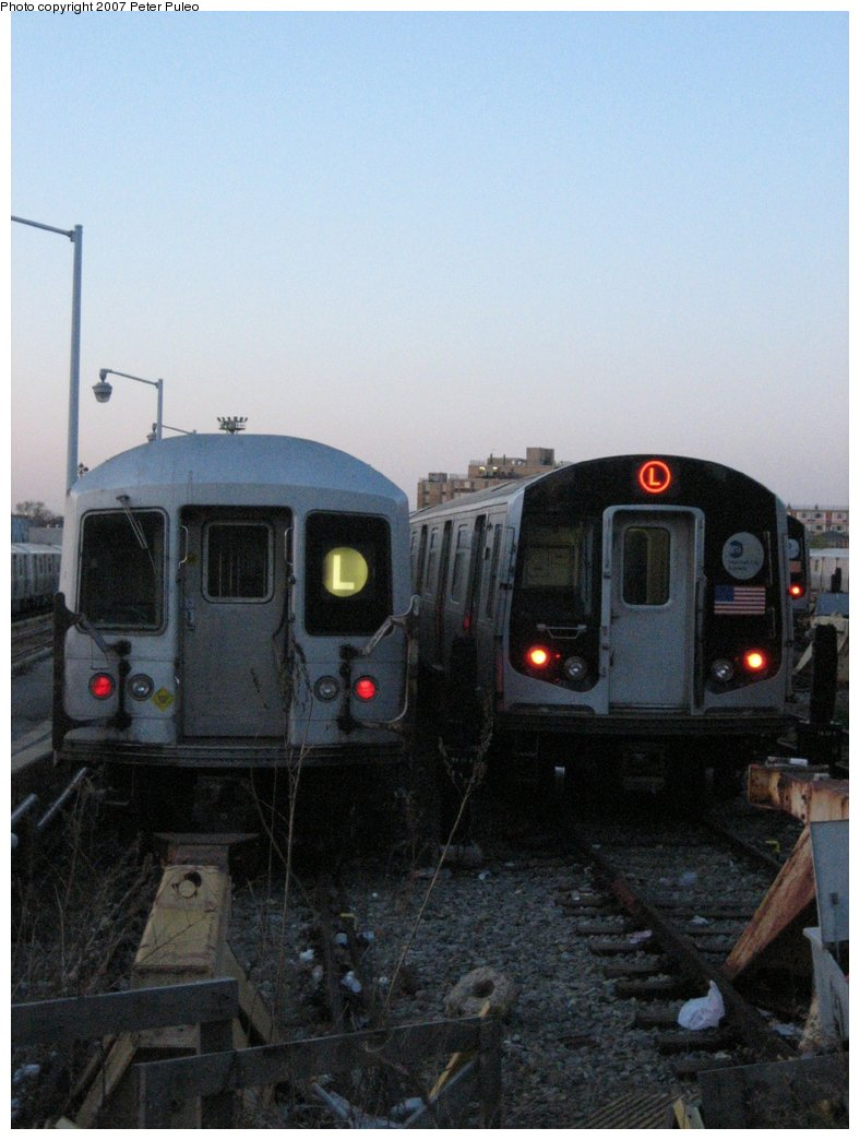 (136k, 788x1044)<br><b>Country:</b> United States<br><b>City:</b> New York<br><b>System:</b> New York City Transit<br><b>Location:</b> Rockaway Parkway (Canarsie) Yard<br><b>Car:</b> R-42 (St. Louis, 1969-1970)  4875 <br><b>Photo by:</b> Peter Puleo<br><b>Date:</b> 4/29/2006<br><b>Notes:</b> With R143 8284<br><b>Viewed (this week/total):</b> 2 / 2798