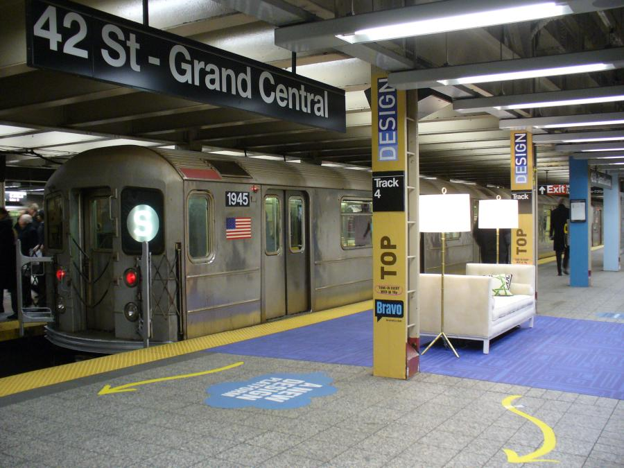 (119k, 900x675)<br><b>Country:</b> United States<br><b>City:</b> New York<br><b>System:</b> New York City Transit<br><b>Line:</b> IRT Times Square-Grand Central Shuttle<br><b>Location:</b> Grand Central <br><b>Route:</b> S<br><b>Car:</b> R-62A (Bombardier, 1984-1987)  1945 <br><b>Photo by:</b> Robbie Rosenfeld<br><b>Date:</b> 1/30/2007<br><b>Notes:</b> Bravo TV Top Design ad installation.<br><b>Viewed (this week/total):</b> 0 / 3638