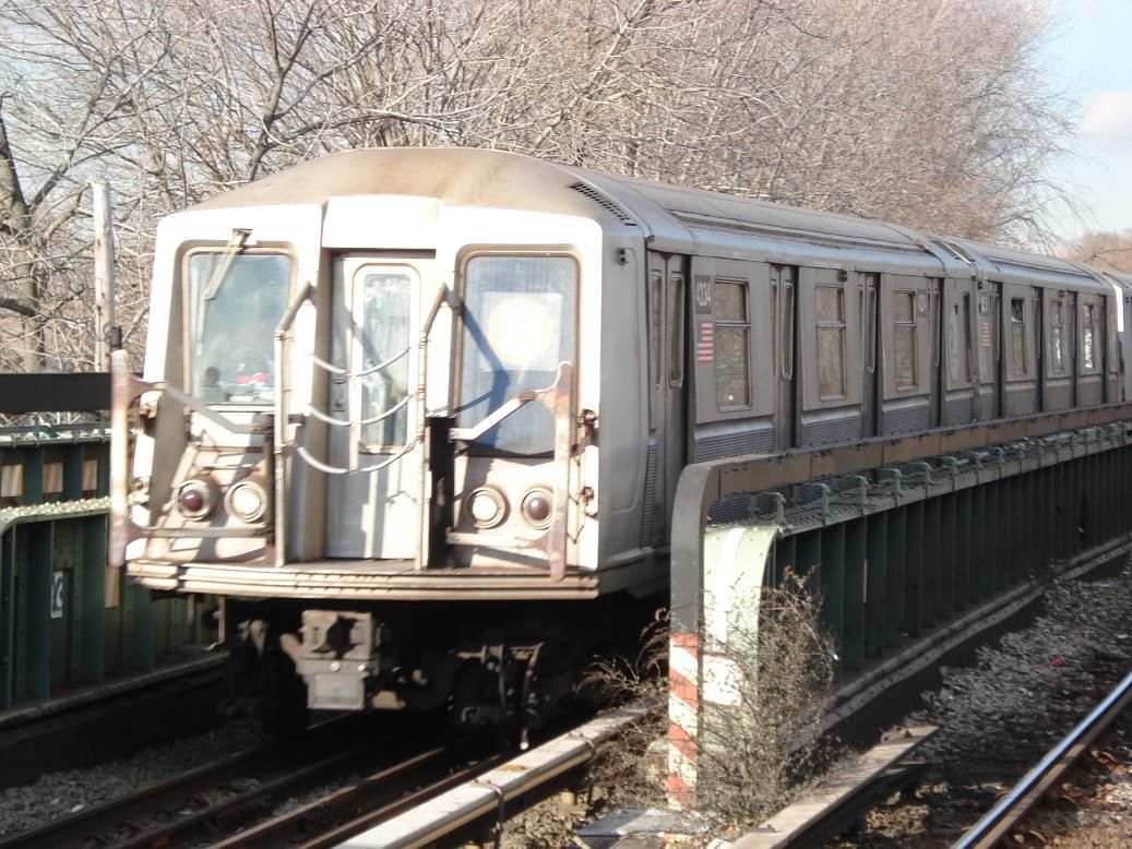 (171k, 1037x778)<br><b>Country:</b> United States<br><b>City:</b> New York<br><b>System:</b> New York City Transit<br><b>Line:</b> BMT Brighton Line<br><b>Location:</b> Sheepshead Bay <br><b>Route:</b> B<br><b>Car:</b> R-40 (St. Louis, 1968)  4234 <br><b>Photo by:</b> Michael Hodurski<br><b>Date:</b> 1/25/2007<br><b>Viewed (this week/total):</b> 1 / 2194