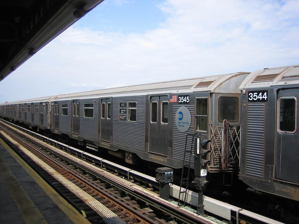 (131k, 1024x768)<br><b>Country:</b> United States<br><b>City:</b> New York<br><b>System:</b> New York City Transit<br><b>Line:</b> BMT Culver Line<br><b>Location:</b> Avenue X <br><b>Route:</b> F<br><b>Car:</b> R-32 (Budd, 1964)  3545 <br><b>Photo by:</b> Michael Hodurski<br><b>Date:</b> 8/19/2006<br><b>Viewed (this week/total):</b> 1 / 1883