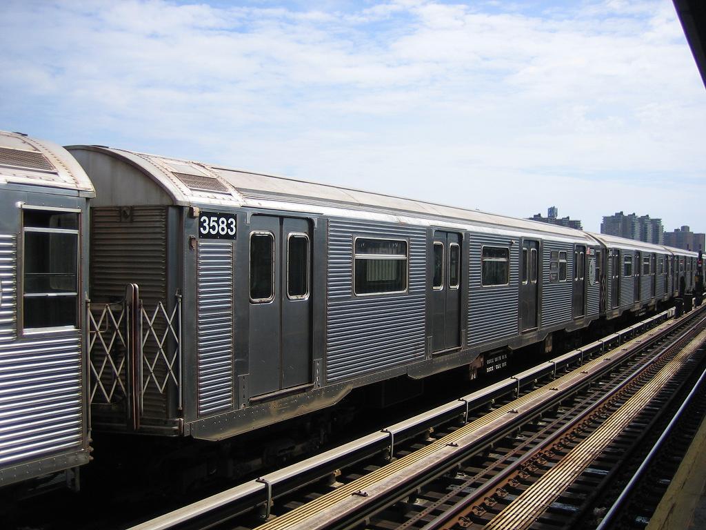 (138k, 1024x768)<br><b>Country:</b> United States<br><b>City:</b> New York<br><b>System:</b> New York City Transit<br><b>Line:</b> BMT Culver Line<br><b>Location:</b> Avenue X <br><b>Route:</b> F<br><b>Car:</b> R-32 (Budd, 1964)  3583 <br><b>Photo by:</b> Michael Hodurski<br><b>Date:</b> 8/19/2006<br><b>Viewed (this week/total):</b> 1 / 1863