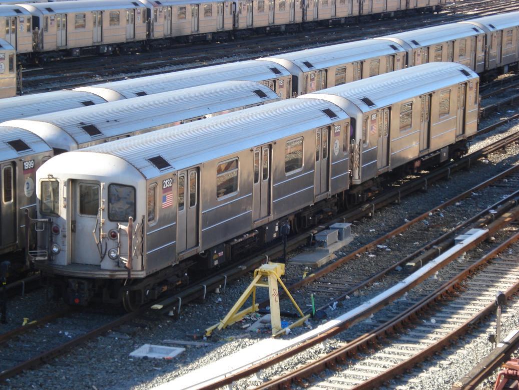 (169k, 1037x778)<br><b>Country:</b> United States<br><b>City:</b> New York<br><b>System:</b> New York City Transit<br><b>Location:</b> Corona Yard<br><b>Car:</b> R-62A (Bombardier, 1984-1987)  2132/1910 <br><b>Photo by:</b> Michael Hodurski<br><b>Date:</b> 2/4/2007<br><b>Viewed (this week/total):</b> 1 / 2202