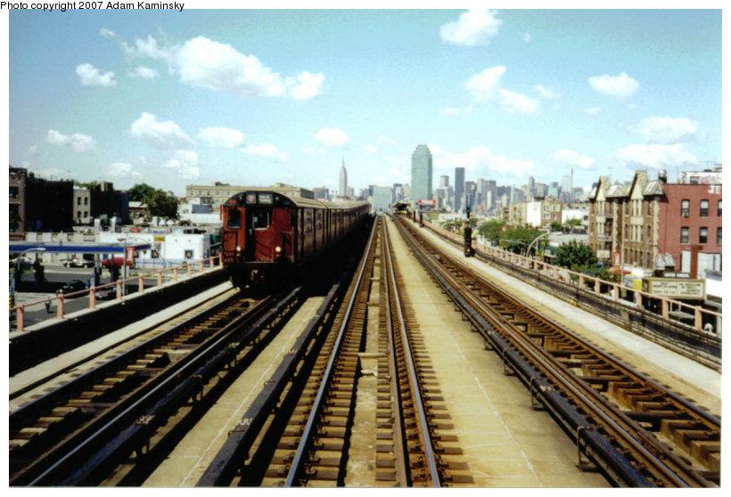 (129k, 820x558)<br><b>Country:</b> United States<br><b>City:</b> New York<br><b>System:</b> New York City Transit<br><b>Line:</b> IRT Flushing Line<br><b>Location:</b> 46th Street/Bliss Street <br><b>Route:</b> 7<br><b>Car:</b> R-36 World's Fair (St. Louis, 1963-64)  <br><b>Photo by:</b> Adam Kaminsky<br><b>Date:</b> 8/18/2003<br><b>Viewed (this week/total):</b> 0 / 2343