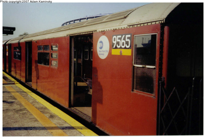 (90k, 820x556)<br><b>Country:</b> United States<br><b>City:</b> New York<br><b>System:</b> New York City Transit<br><b>Line:</b> IRT Flushing Line<br><b>Location:</b> Willets Point/Mets (fmr. Shea Stadium) <br><b>Route:</b> 7<br><b>Car:</b> R-36 World's Fair (St. Louis, 1963-64) 9565 <br><b>Photo by:</b> Adam Kaminsky<br><b>Date:</b> 11/3/2003<br><b>Notes:</b> Final Redbird Run, Willets Pt Blvd, November 3, 2003.<br><b>Viewed (this week/total):</b> 0 / 1893