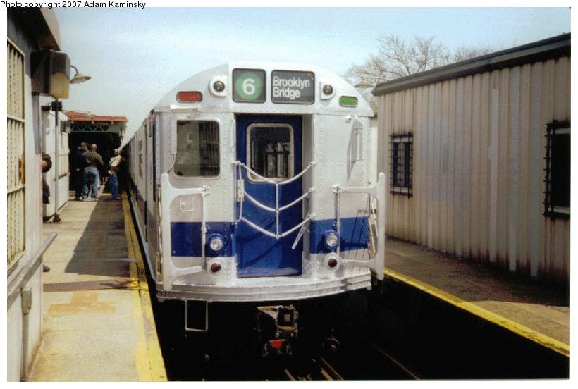 (95k, 820x552)<br><b>Country:</b> United States<br><b>City:</b> New York<br><b>System:</b> New York City Transit<br><b>Line:</b> IRT Pelham Line<br><b>Location:</b> East 177th Street/Parkchester <br><b>Route:</b> Fan Trip<br><b>Car:</b> R-33 Main Line (St. Louis, 1962-63) 9010 <br><b>Photo by:</b> Adam Kaminsky<br><b>Date:</b> 4/17/2004<br><b>Viewed (this week/total):</b> 2 / 2377