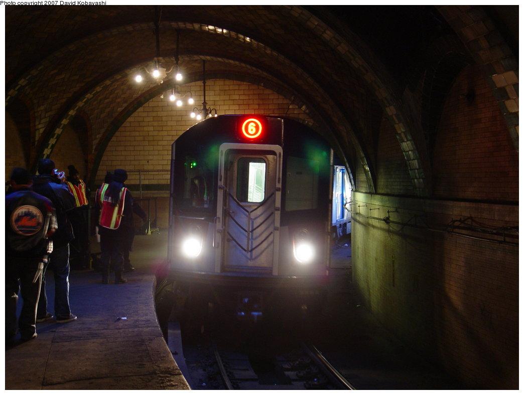 (125k, 1044x788)<br><b>Country:</b> United States<br><b>City:</b> New York<br><b>System:</b> New York City Transit<br><b>Line:</b> IRT East Side Line<br><b>Location:</b> City Hall <br><b>Photo by:</b> David Kobayashi<br><b>Date:</b> 2/4/2007<br><b>Notes:</b> Transit Museum tour.<br><b>Viewed (this week/total):</b> 4 / 12721