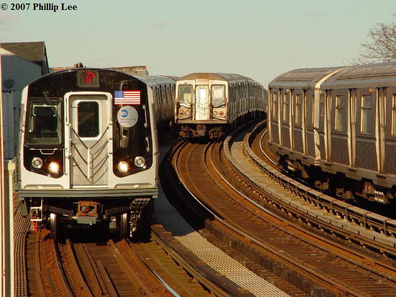 (109k, 800x600)<br><b>Country:</b> United States<br><b>City:</b> New York<br><b>System:</b> New York City Transit<br><b>Line:</b> BMT Astoria Line<br><b>Location:</b> 30th/Grand Aves. <br><b>Route:</b> N<br><b>Car:</b> R-160A/R-160B Series (Number Unknown)  <br><b>Photo by:</b> Phillip Lee<br><b>Date:</b> 2/7/2007<br><b>Viewed (this week/total):</b> 2 / 4229