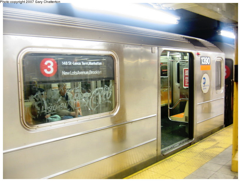(98k, 820x620)<br><b>Country:</b> United States<br><b>City:</b> New York<br><b>System:</b> New York City Transit<br><b>Line:</b> IRT West Side Line<br><b>Location:</b> 34th Street/Penn Station <br><b>Route:</b> 3<br><b>Car:</b> R-62 (Kawasaki, 1983-1985)  1390 <br><b>Photo by:</b> Gary Chatterton<br><b>Date:</b> 1/28/2007<br><b>Viewed (this week/total):</b> 3 / 4491