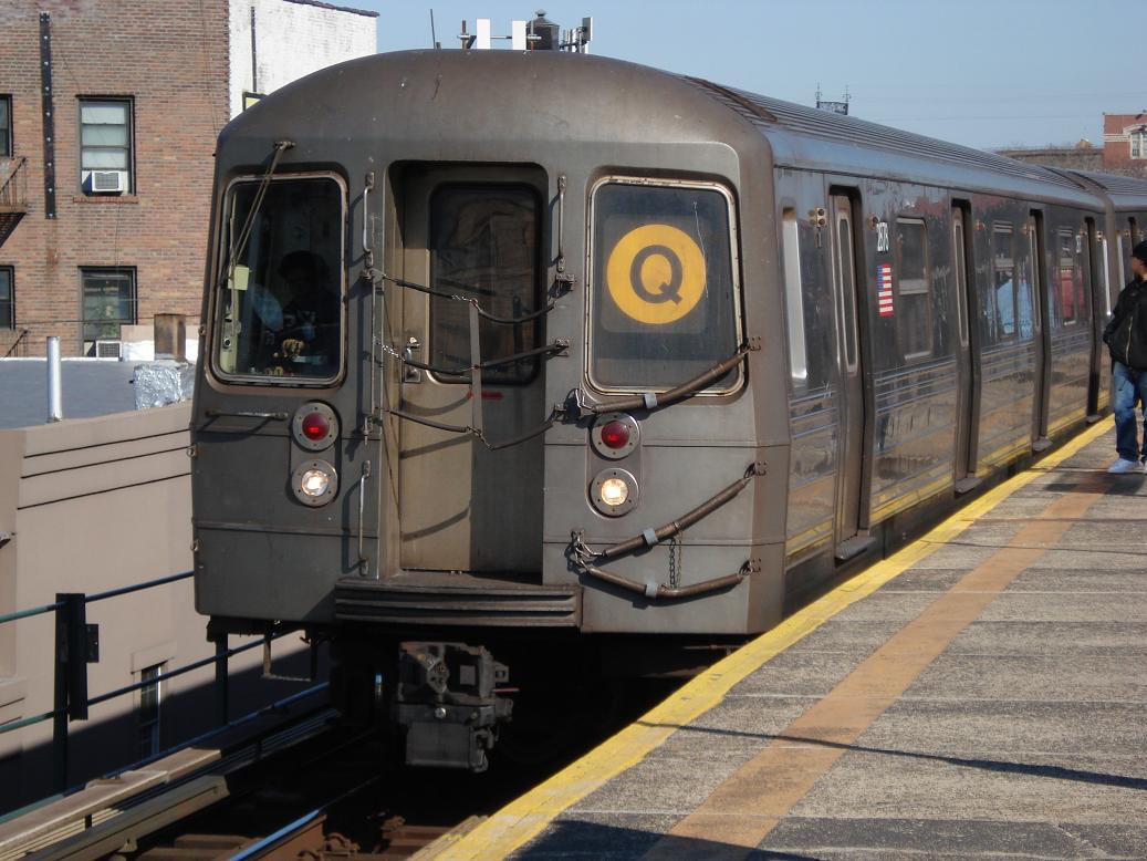 (135k, 1037x778)<br><b>Country:</b> United States<br><b>City:</b> New York<br><b>System:</b> New York City Transit<br><b>Line:</b> BMT Astoria Line<br><b>Location:</b> Astoria Boulevard/Hoyt Avenue <br><b>Route:</b> Q<br><b>Car:</b> R-68 (Westinghouse-Amrail, 1986-1988)  2878 <br><b>Photo by:</b> Michael Hodurski<br><b>Date:</b> 2/10/2007<br><b>Viewed (this week/total):</b> 1 / 2094