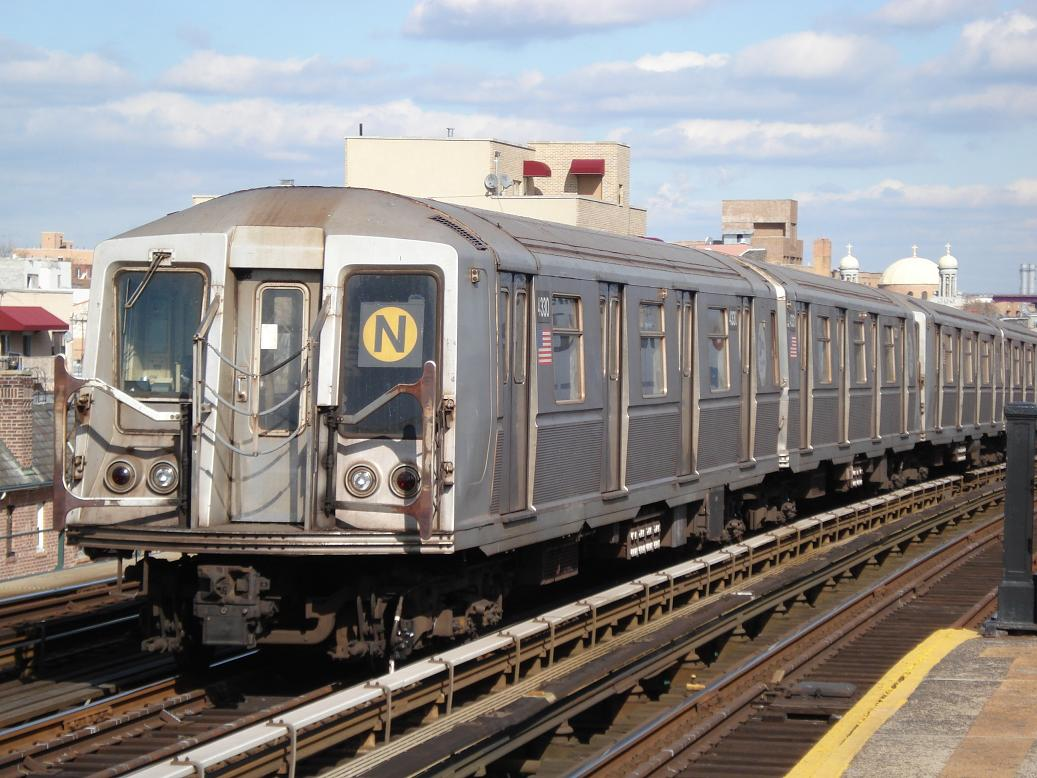 (144k, 1037x778)<br><b>Country:</b> United States<br><b>City:</b> New York<br><b>System:</b> New York City Transit<br><b>Line:</b> BMT Astoria Line<br><b>Location:</b> Broadway <br><b>Route:</b> N<br><b>Car:</b> R-40 (St. Louis, 1968)  4330 <br><b>Photo by:</b> Michael Hodurski<br><b>Date:</b> 2/10/2007<br><b>Viewed (this week/total):</b> 1 / 1906
